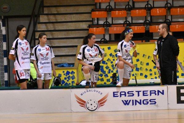 Florbalistky Eastern Wings už tretiu sezónu hrajú extraligu.