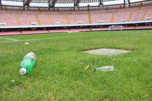 Futbalový štadión SSC Neapol sa dá prirovnať k Pasienkom či Tehelnému polu.