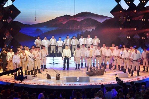 Viachlasný spev ovládajú aj Horehronskí chlopi, ktorá sa predstavili v šou Zem spieva.