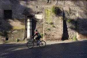 Via Appia sa dá spoznávať aj na dvoch kolesách.
