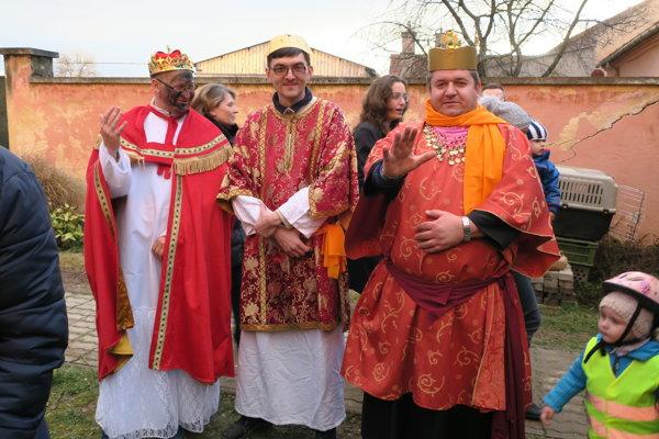 Traja králi sa prišli pokloniť.
