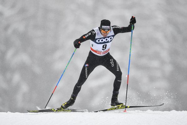 Dario Cologna triumfoval vo švajčiarskom stredisku Lenzerheide.
