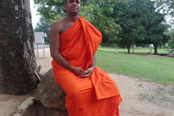 Srí Lanka. Mních.