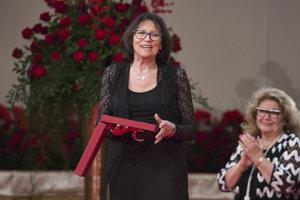 Marta Kubišová si prebrala štátne vyznamenanie Rad Bieleho dvojkríža II. triedy.