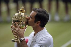 Švajčiar Roger Federer v roku 2017 po ôsmy raz ovládol Wimbledon a získal svoju už 19. grandslamovú trofej.