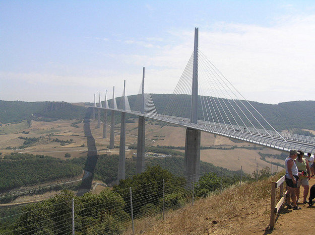 Francúzsko. Viadukt Millau.
