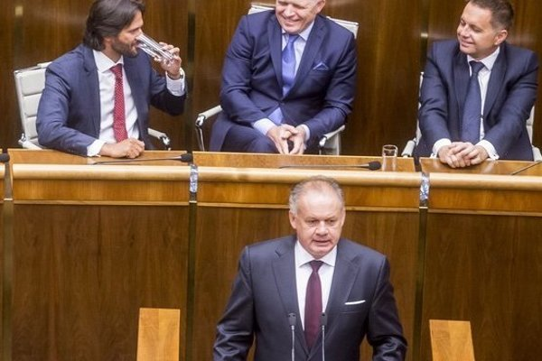 Prezident Andrej Kiska ostro kritizoval ministra vnútra Roberta Kaliňáka.