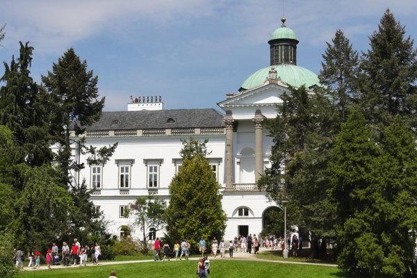Prezident T.G.Masaryk rád navštevoval kaštiel v Topoľčiankach.