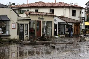 Kaliforniu trápia silné dažde.