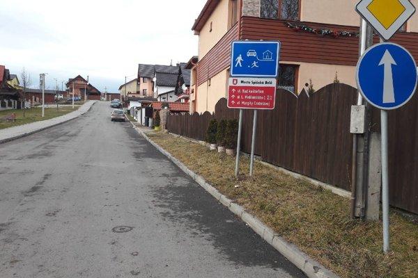 Spišská Belá. V mestskej časti Strážky bola schválená dopravná obytná zóna.