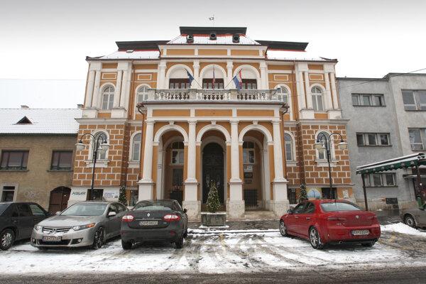 Obnoviť plánujú aj historickú budovu mestského úradu.
