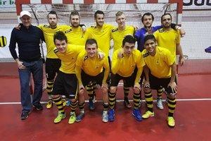 Žilinský Makroteam na futsalovom turnaji v Bánovciach nad Bebravou skončil druhý.
