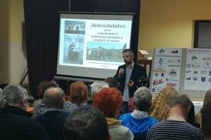 Ján Aláč zaujal témou jednodetstva aj návštevníkov Stretnutia priateľov regionálnej histórie.