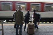 Cestujúcich pobúrilo, že ZSSK  zrušila v Čadci zastavovanie ranného vlaku 443 Slovakia.