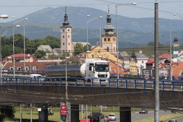 Hluk z dopravy trápi Banskobystričanov vo viacerých častiach mesta.