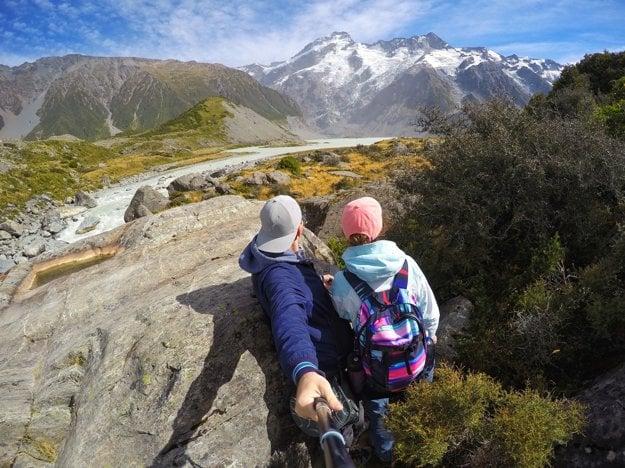 Lenka a Daniel pri Mount Cook na Novom Zélande