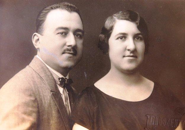 Rodičia Ruth Mittelmannovej (Charlotty Neumannovej) Leopold a Hilda Neumannovci,1925.