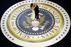 Tanec s manželkou Melaniou na Inauguračnom plese.