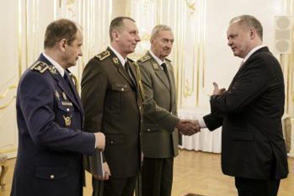 Prezident Andrej Kiska ocenil jeho zásluhy o rozvoj vojenského športu.