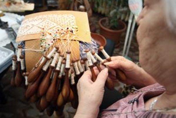 Margita Gaľová patrí k posledným čipkárkam, ktoré presadzujú tradičné hodnoty špaňodolinskej čipky