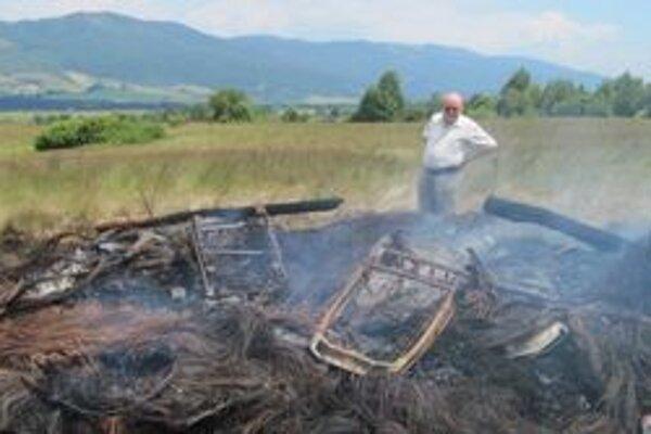 Zvyšok pneumatík po jánskom ohni.