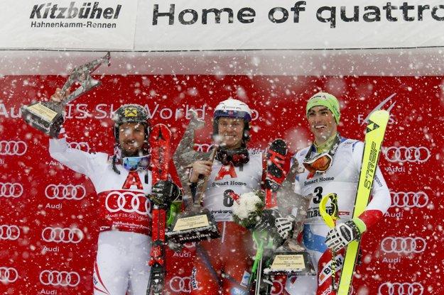 Zľava Marcel Hirscher, Henrik Kristoffersen a Daniel Yule.