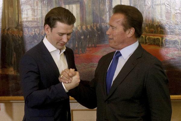 Schwarzenegger (vpravo) sa stretol aj s kancelárom Kurzom.