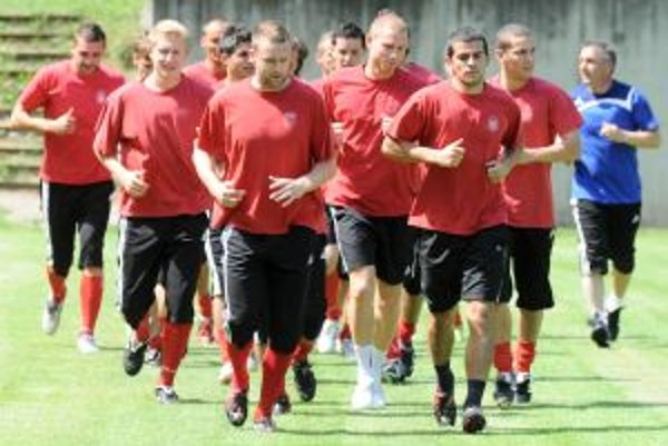 Futbalisti Dukly na prvom tréningu