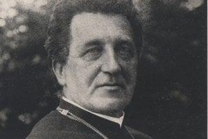 Lajos Konrády, kanonik, predseda rady hudobnej školy v Košiciach.