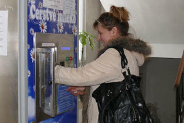 Prvý automat na mlieko vo Zvolenskom okrese je v Pliešovciach.