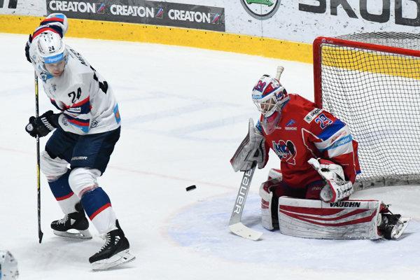 Branislav Mezei dáva druhý gól v zápase.
