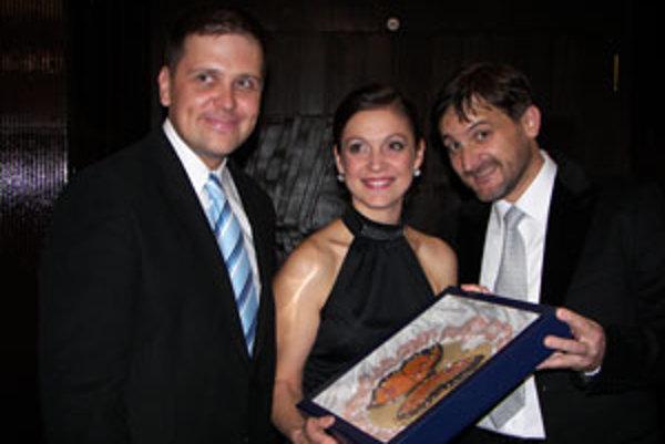 Trojica víťazov; (zľava) Radoslav Kuric, Silvia Donová a Michal Spišák.
