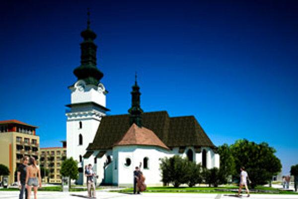 Z pôvodnej zelene pri kostole sa nezachová nič.