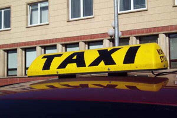Miesto na parkovanie si nekúpili všetci taxikári.
