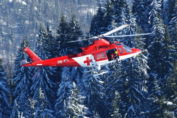 Evakuácia vrtuľníkom.