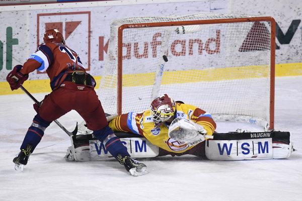 Coffman strieľa Valentovi tretí gól Zvolena.