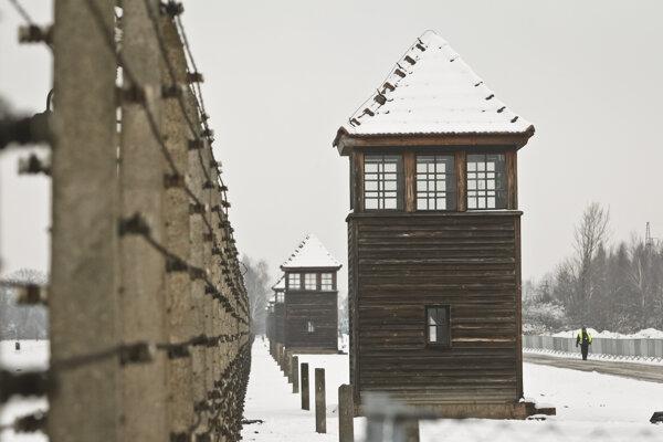 Zákon umožní trestať pripisovanie zodpovednosti za holokaust Poliakom.