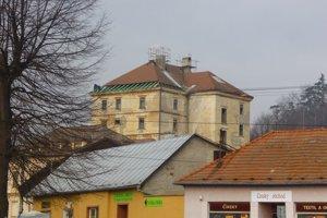 Dominanta mesta dostala novú strechu.