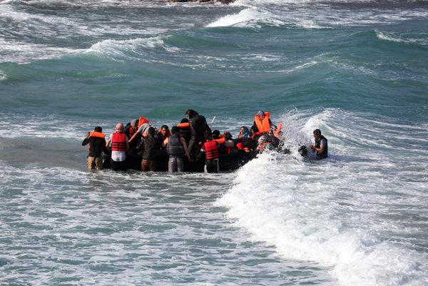 Turecko zaevidovalo od vypuknutia sýrskeho konfliktu v roku 2011 zhruba 2,2 milióna sýrskych utečencov a vybudovalo pre nich už 25 táborov.