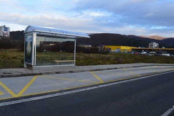 Nová autobusová zastávka Radvaň Park.