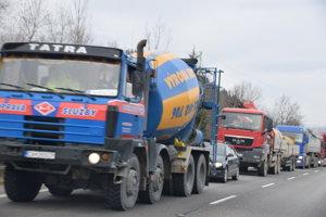 Petičný výbor bude naďalej usilovať o čo najrýchlejšie vyriešenie dopravnej situácie na Kysuciach.