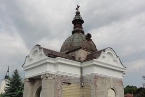 Hrobka po čiastočnej renovácii.