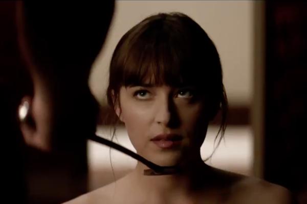 Dakota Johnson ako Anastasia Steel.