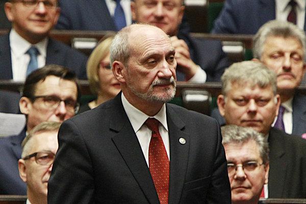 Poľský minister obrany Antoni Macierewicz.