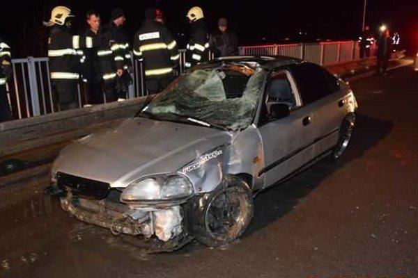 Honda Civic. Najprv smrteľne zranila chodca, potom skončila v Hornáde.