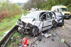 DOLNÝ KUBÍN - KŇAŽIA, apríl 2016. Rýchla jazda Poliaka na dodávke si vyžiadala smrť nevinnej ženy sediacej v oprotiidúcom aute.