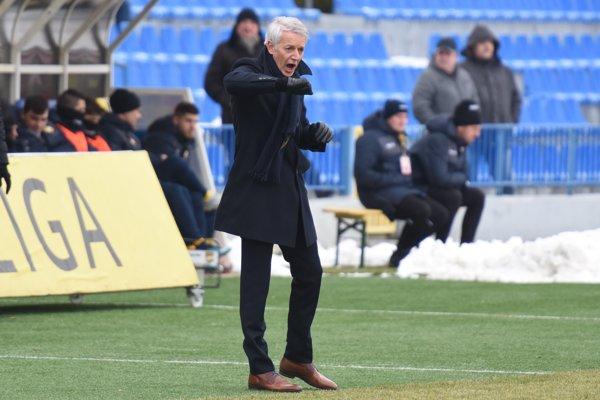 Ton Caanen v prvom súťažnom zápase na lavičke FK Senica v zápase Fortuna ligy proti FC DAC Dunajská Streda.