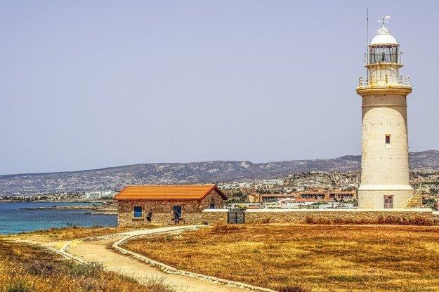 Paphos, Cyprus: Slnečné pláže a bohatá história.