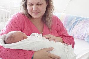 Prvým dieťatkom Michaely a Miroslava Melišovcov z Dubnice nad Váhom je Šimonko (4110 g a 54 cm), ktorý sa narodil 12. februára.
