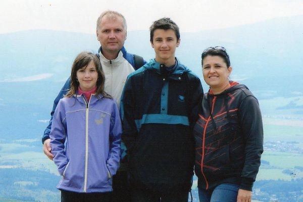 Vladimír Fabian sdcérou Katarínou, synom Martinom amanželkou Alenou.